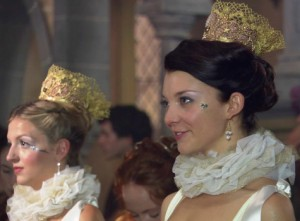 Anny Boleyn With something on her head