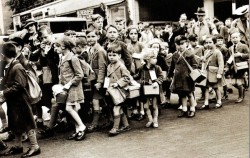 Children evacuees during Operation Pied Piper