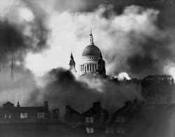 St Paul Cathedral survives London Blitz